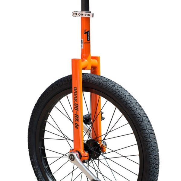 image illustrant le monocycle orange luxus de la marque QU-AX